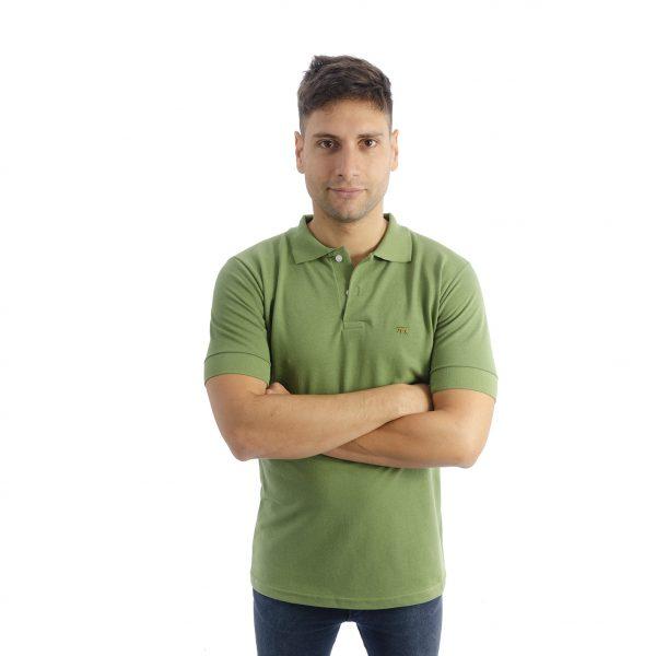 chomba de hombre pique cuello en v, color verde manga corta